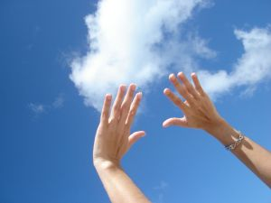 hand_to_sky
